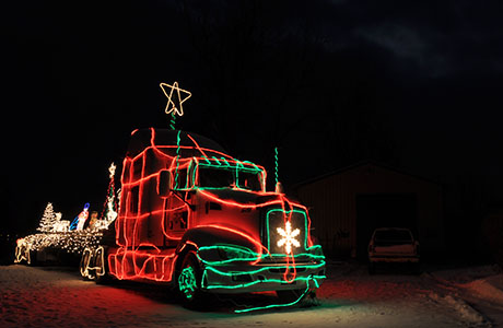 christmaslighttruck01.jpg