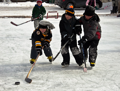 outsideHockey01.jpg