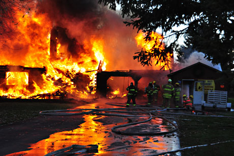 Fully Involved House Fire On York Road Le Roy The Batavian