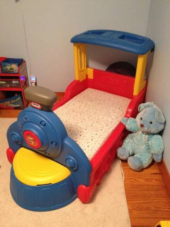 Merveilleux Train Toddler Bed