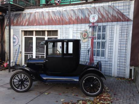 Photo model t and gas station mural in jackson square for Cleveland gas station mural