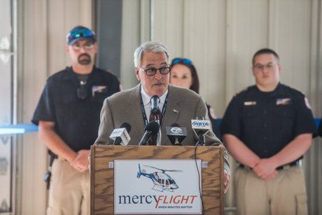 mercyribboncutting2018-3.jpg