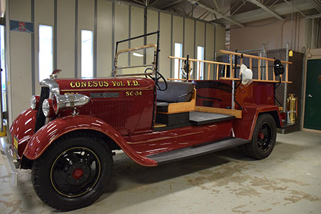 conesus_fire_dept._restored_fire_truck.jpg